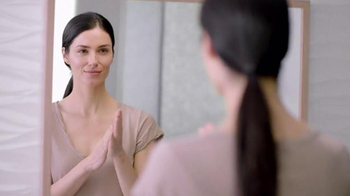 Olay Regenerist Micro-Sculpting Cream SPF 30 TV Spot, 'Protect Skin'