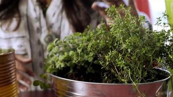 Miracle-Gro Nature's Care TV Spot, 'DIY Herb Garden' Ft. Jennifer Phanomrat - Thumbnail 5