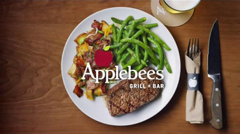 Applebee's Wood Fired Grill TV Spot, 'Hand-Cut' Song by AC/DC  - Thumbnail 4