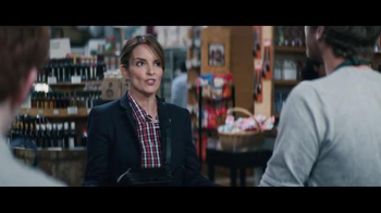 American Express TV Spot, 'Tina Fey Living the Dream at the Supermarket' - Thumbnail 5