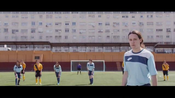 Orbit TV Spot, 'Penalty Taker Girl' [Spanish] - Thumbnail 5