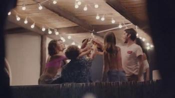 Corona Extra TV Spot, 'Querido sofá' [Spanish] - Thumbnail 10