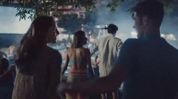 Corona Extra TV Spot, 'Querido sofá' [Spanish] - Thumbnail 3