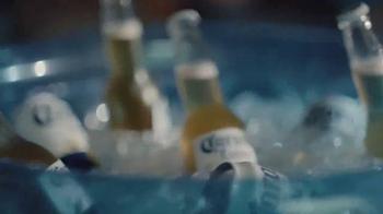 Corona Extra TV Spot, 'Querido sofá' [Spanish] - Thumbnail 4