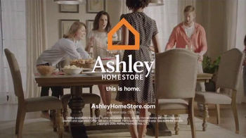 Ashley Furniture Homestore Memorial Day Sale TV Spot, 'Stylish Sofa' - Thumbnail 6