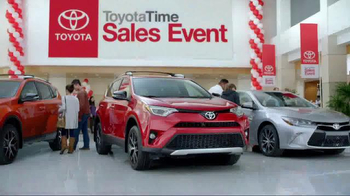 Toyota Time Sales Event TV Spot, '2016 Sienna' - Thumbnail 3