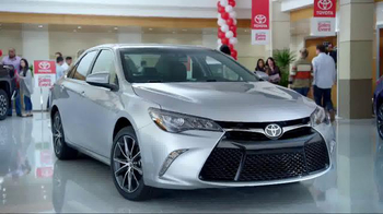 Toyota Time Sales Event TV Spot, '2016 Sienna' - Thumbnail 6