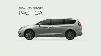 2017 Chrysler Pacifica TV Spot, 'The Secret Life of Pets: Spirited' - Thumbnail 3