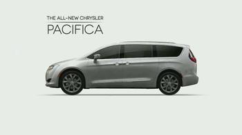 2017 Chrysler Pacifica TV Spot, 'The Secret Life of Pets: Spirited' - Thumbnail 6