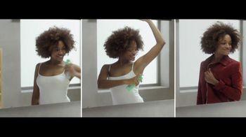 Mitchum Dry Spray Women TV Spot, 'Instantly Dry'