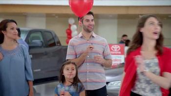 Toyota Time Sales Event TV Spot, 'Pit Stop: 2016 Prius' - Thumbnail 8