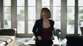 Apple Music TV Spot, 'Dance Like No One's Watching' Featuring Taylor Swift - Thumbnail 5