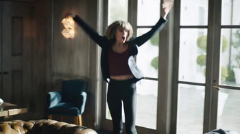 Apple Music TV Spot, 'Dance Like No One's Watching' Featuring Taylor Swift - Thumbnail 8