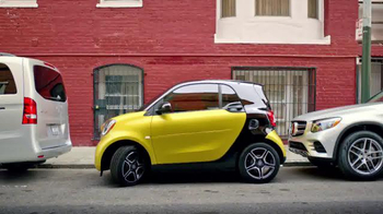 2016 smart fortwo TV Spot, \'Anywhere\'