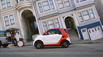 2016 smart fortwo TV Spot, 'Hilly' - 15 commercial airings