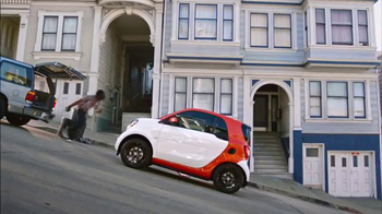 2016 smart fortwo TV Spot, 'Hilly' - Thumbnail 6