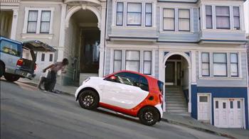 2016 smart fortwo TV Spot, 'Hilly' - Thumbnail 6