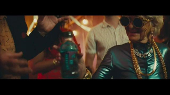 Smirnoff Ice TV Spot, 'Keep It Moving: Baddiewinkle Shake It' - Thumbnail 7