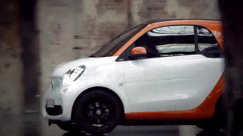 2016 smart fortwo TV Spot, 'City Smart Manifesto' - Thumbnail 1