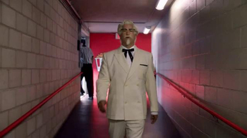 KFC $20 Fill Up TV Spot, 'Real Team' Featuring Rob Riggle - Thumbnail 2