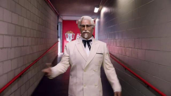 KFC $20 Fill Up TV Spot, 'Real Team' Featuring Rob Riggle - Thumbnail 3