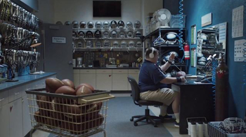JBL Wireless Headphones TV Spot, 'Lose the Wires. Win the Game.' - Thumbnail 6