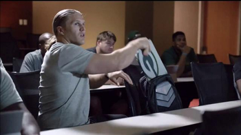 Microsoft Surface TV Spot, 'The Official Tablet of the NFL' - Thumbnail 6
