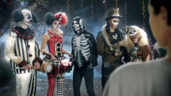 Party City TV Spot, 'Thrillerize Halloween: Fright Costumes' - Thumbnail 2