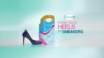 Amopé GelActiv Insoles TV Spot, 'Turn Your Heels Into Sneakers: Secret' - Thumbnail 10