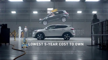 2016 Hyundai Tucson TV Spot, 'Lift' - Thumbnail 4