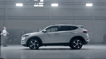 2016 Hyundai Tucson TV Spot, 'Lift' - Thumbnail 6
