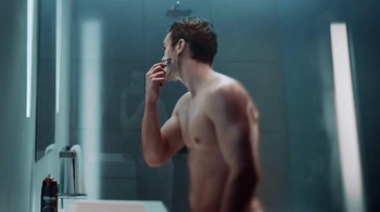 Gillette Proshield Chill TV Spot, 'Shields and Cools as You Shave' - Thumbnail 7
