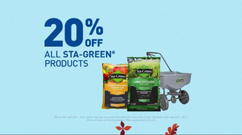 Lowe's TV Spot, 'Fall Fix: Mulch & Fertilizer' - Thumbnail 7