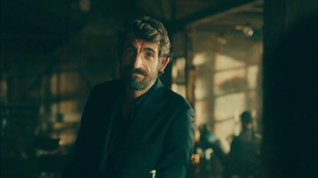 Dos Equis TV Spot, 'Meet the New Most Interesting Man in the World' - Thumbnail 5