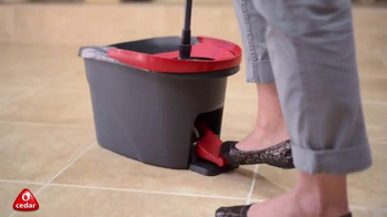 O Cedar EasyWring Spin Mop & Bucket System TV Spot, 'Effortless' - Thumbnail 6