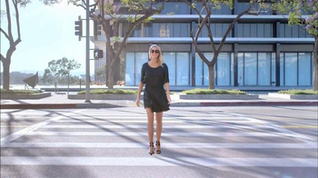 Electrolux SmartBoost TV Spot, 'Secret Behind Great Style' Featuring Emily Jackson - Thumbnail 4