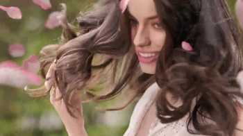 Herbal Essences Color Me Happy TV Spot, 'Roses Are Blooming' - Thumbnail 6