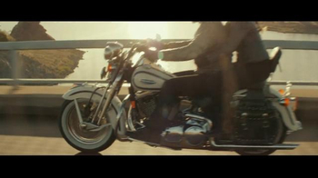 GEICO Motorcycle TV Spot, 'Customer Service' Song by ZZ Top - Thumbnail 2
