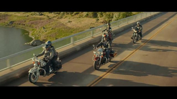 GEICO Motorcycle TV Spot, 'Customer Service' Song by ZZ Top - Thumbnail 3