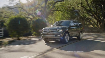 2016 Lincoln Navigator TV Spot, 'Time: 4x2 Select' Ft.  Matthew McConaughey - Thumbnail 2