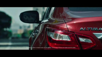 2016 Nissan Altima TV Spot, 'Pop Ups' - Thumbnail 2