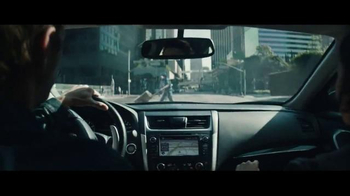 2016 Nissan Altima TV Spot, 'Pop Ups' - Thumbnail 3