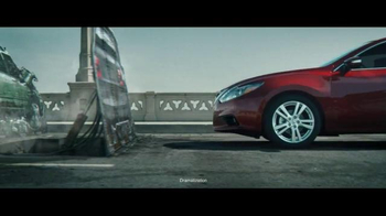 2016 Nissan Altima TV Spot, 'Pop Ups' - Thumbnail 6