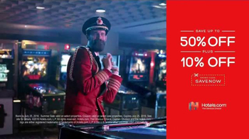 Hotels.com Summer Sale TV Spot, 'Victory Dance' - Thumbnail 9