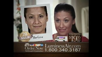 Luminess Air 20th Anniversary Sale TV Spot, 'Cover Flaws'