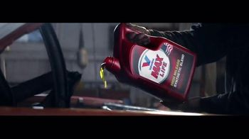 Valvoline MaxLife TV Spot, 'Keep Moving Forward'