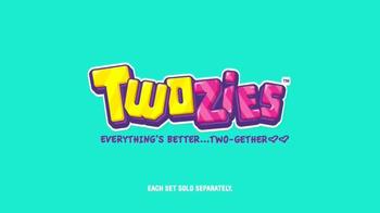 Twozies TV Spot, 'Disney Channel: Friends' - Thumbnail 10
