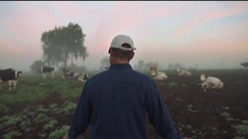 Borden Cheese TV Spot, 'Love From the Farm' - Thumbnail 3