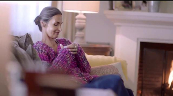 Downy Infusions TV Spot, 'Querido suéter' [Spanish] - Thumbnail 2