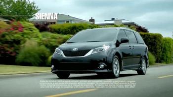 Toyota TV Spot, 'Vehículo para llevarte' [Spanish] - Thumbnail 5